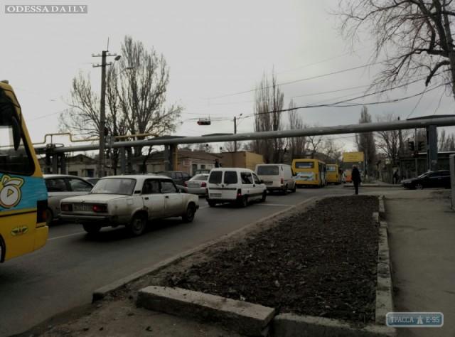 Перекрытие в районе Пересыпи привело к километровым пробкам в Одессе