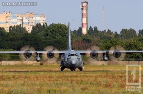 Ваэропорт Одессы прибыли два военных самолёта НАТО