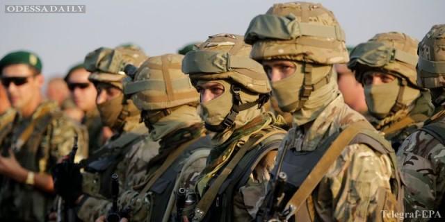 В Украину едут сотни военных инструкторов из Канады
