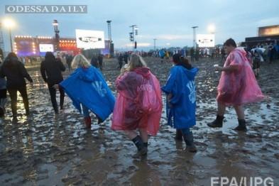 На фестивале Z-Games в Затоке молния убила человека, а на фанатов упала сцена