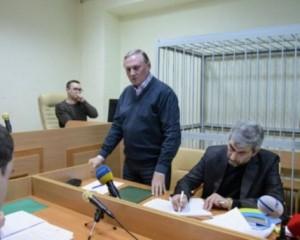 Суд еще на 2 месяца оставил Ефремова под стражей
