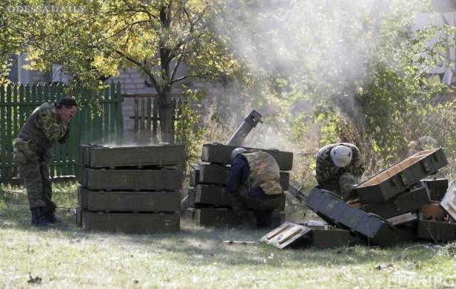 Сводка ИС: зафиксировано более 50 обстрелов, в Донецк прибывают боевики из Крыма, под Новоазовском идет перегруппировка войск