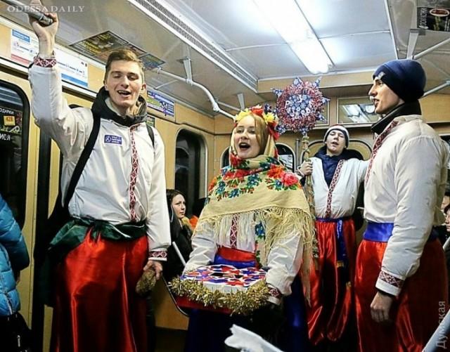 В православное Рождество певчие одесских церквей будут колядовать в трамваях