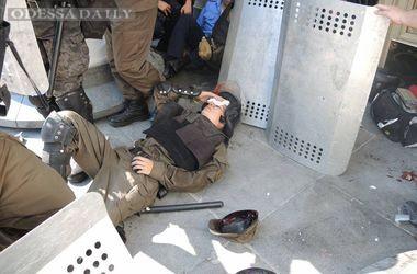 Милиция задержала мужчину, который бросил гранату под Радой