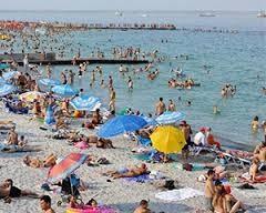 Отдыхающих просят временно воздержаться от купания на некоторых пляжах Одессы