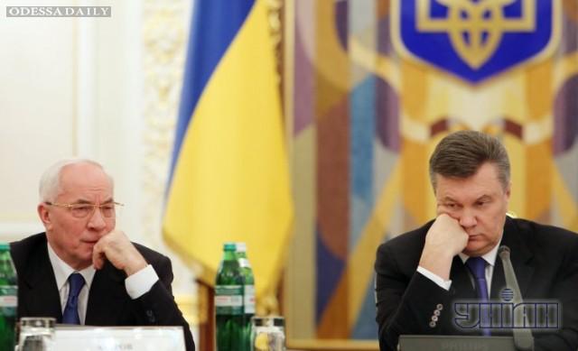 Азаров прошелся по Януковичу в Москве
