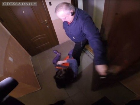 Полиция Одессы расследует нападение начальника частного ЖЭКа на журналистку телеканала Думская ТВ
