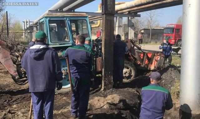 На Пересыпи произошел прорыв нефтепровода: горючим залило более 500 квадратных метров земли