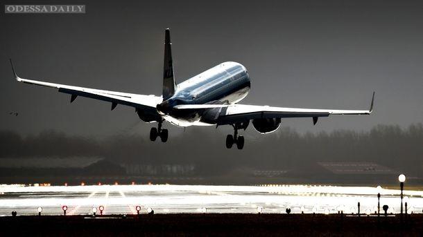 Изменение маршрутов самолетов сократит ущерб климату на 10% – ученые