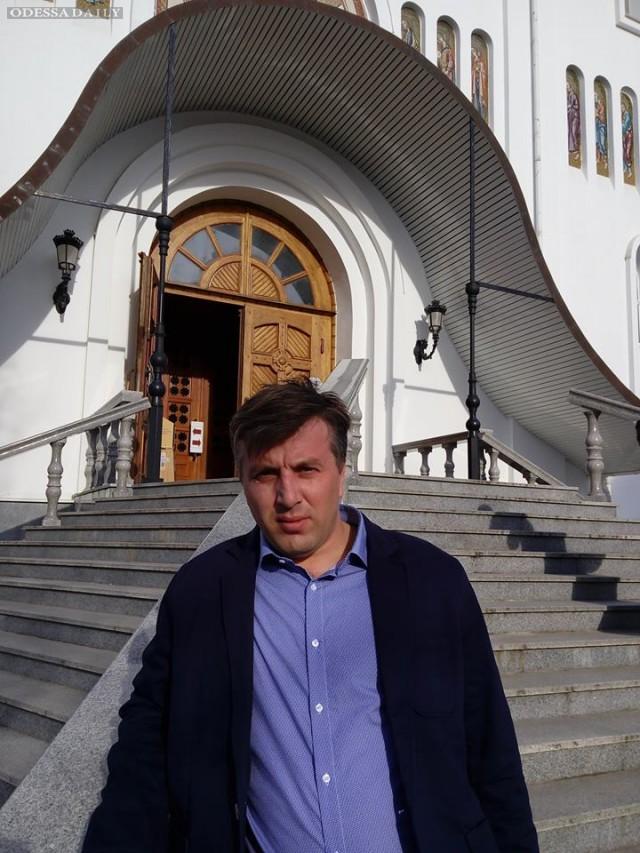 Депутат Раздельнянского совета  Сергей Маслов продолжает изнурительную борьбу против главы райрады от оппоблока Ф. Сигал.