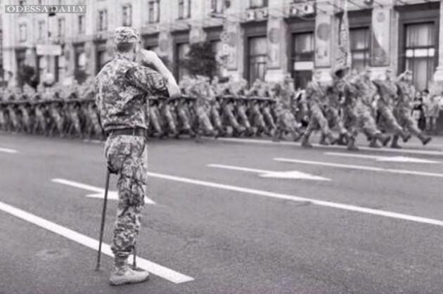 Настоящий офицер: Найден герой легендарного снимка! Это одессит. ФОТО