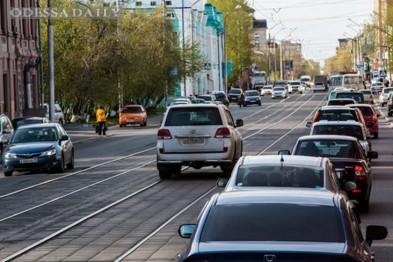 Около Привоза хотят запретить автомобилистам выезжать на трамвайные рельсы