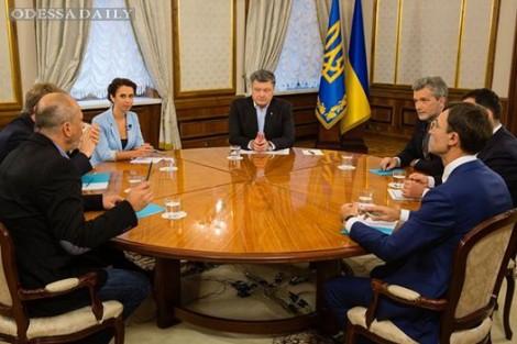 США будут участвовать в переговорах с РФ по Донбассу - Порошенко (видео)