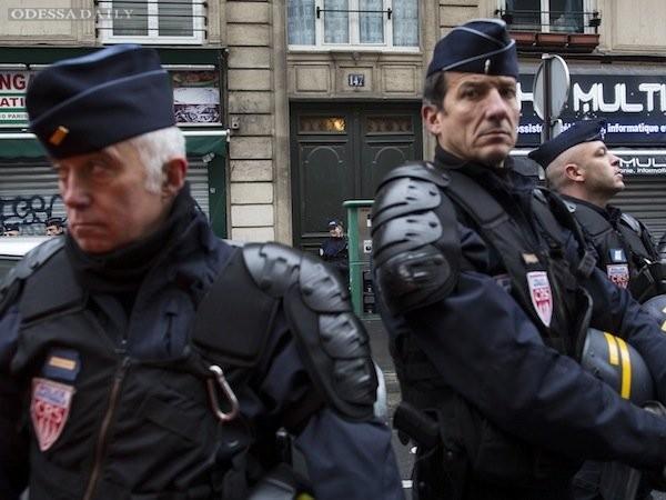 Во Франции проходят масштабные полицейские рейды – The Guardian