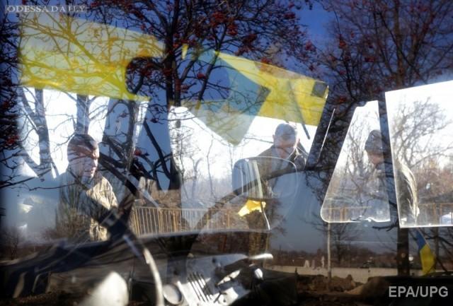 Военные и гражданские чиновники катаются в АТО для получения статуса участника боевых действий, - журналист