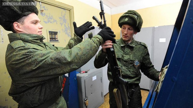 «Солдатские матери» обратились к Элле Памфиловой с просьбой проверить жалобы военных