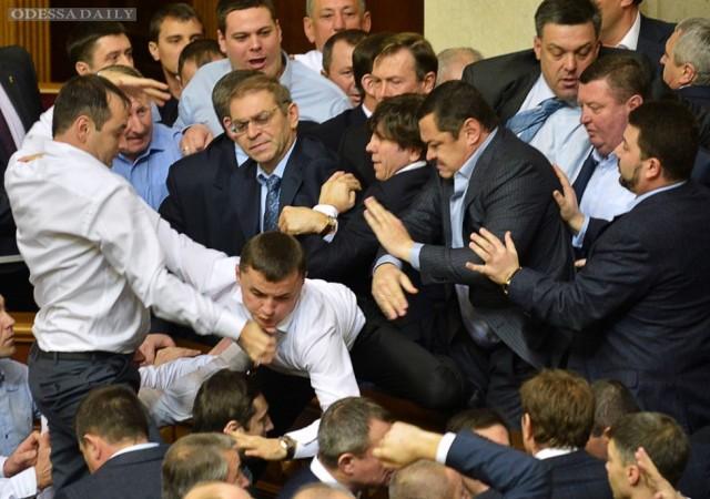 Мне хочется, чтобы парламент работал стабильно, но добиться этого будет очень сложно, - Николай Скорик