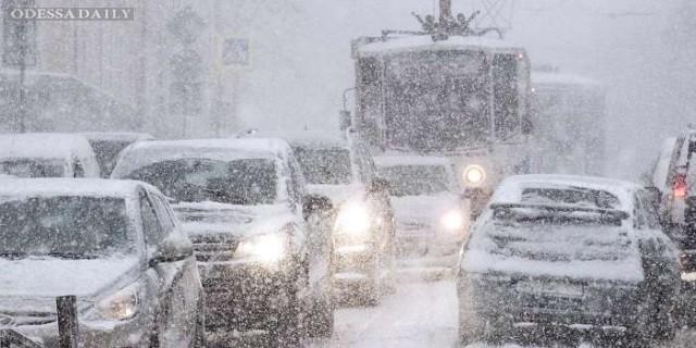 Полиция ограничила движение на дорогах Одесской и Запорожской областей