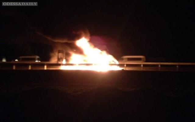 В Чечне избили иностранных журналистов и правозащитников, их автобус сожгли
