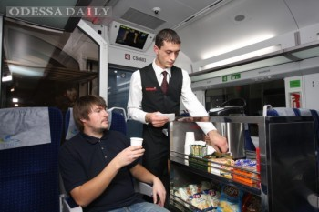 Укрзализныця намерена перестроить процесс обслуживания пассажирских поездов