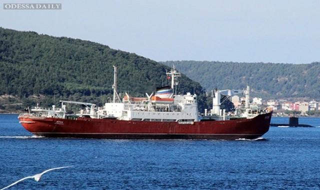 Турецкая субмарина встретила российский корабль в Дарданеллах – СМИ (видео)