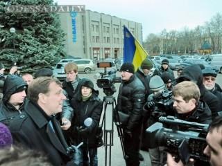Глава Одесской области возьмет под личный контроль нападения на автобусы с митингующими