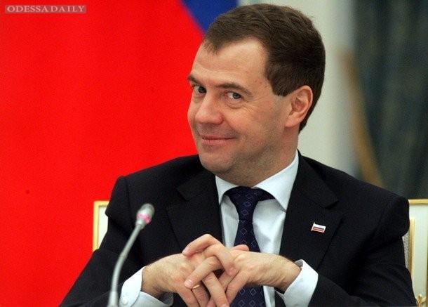 Медведев хочет сдержать необоснованный рост цен на продукты