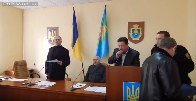 Депутаты Раздельнянской райрады требуют досрочной отставки Феликса Сигала.