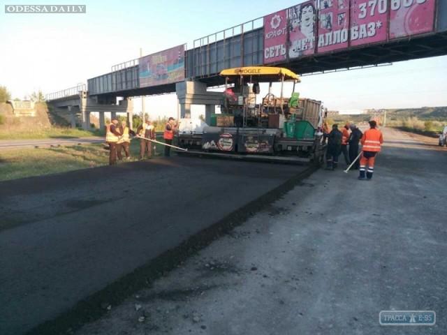 Дорожники проводят капремонт трассы Киев-Одесса