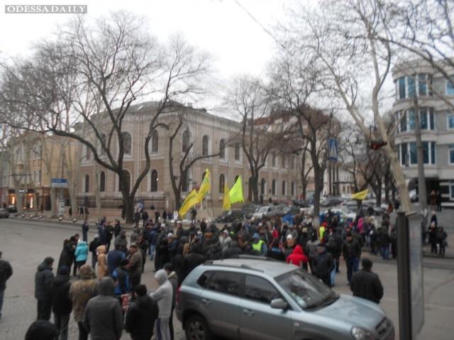 Предприниматели протестуют у здания областной прокуратуры