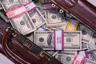 В Одесском аэропорту задержали крупную партию валюты