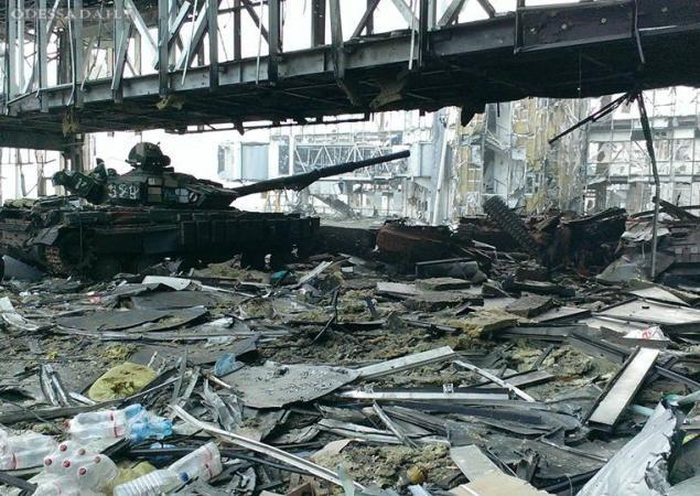 Украинские бойцы отбили очередную атаку на аэропорт Донецка