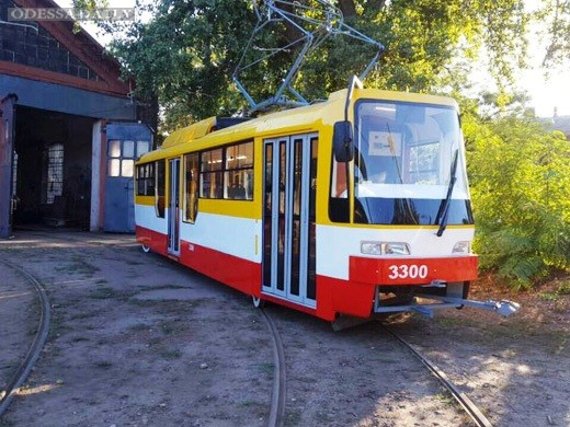 В Одессе начинает работу второй частично низкопольный трамвай