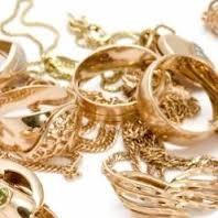 Мошенница завладела золотыми украшениями одесситки