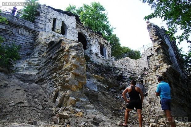 Руины у Потемкинской лестницы: кто стоит за коррупционным скандалом?