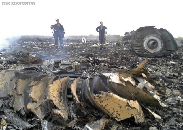 Террористы-мародеры начали сдавать части сбитого Боинга на металлолом