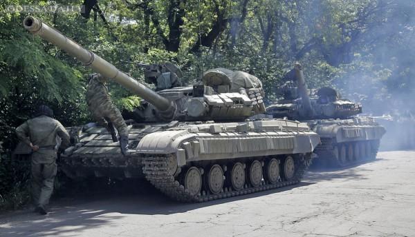 В Минобороны заверили, что колонны бронетехники из России уничтожены