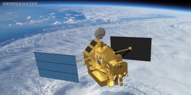На землю упадет американо-японский метеоспутник