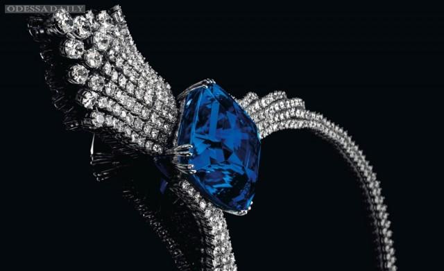 Самый дорогой сапфир Голубая красавица Азии ушел с молотка за $18 млн