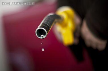 Украинцы покупают все меньше бензина