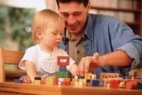 Тип игрушек имеет значение при взаимодействии родителя и ребенка