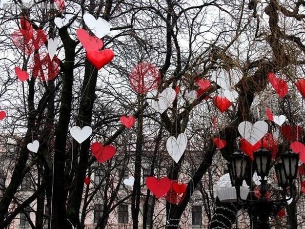 День влюбленных в Одессе: город усыпали сердечками