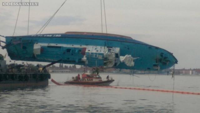 В Затоке на берег вынесло тело человека, который находился на борту катера Иволга