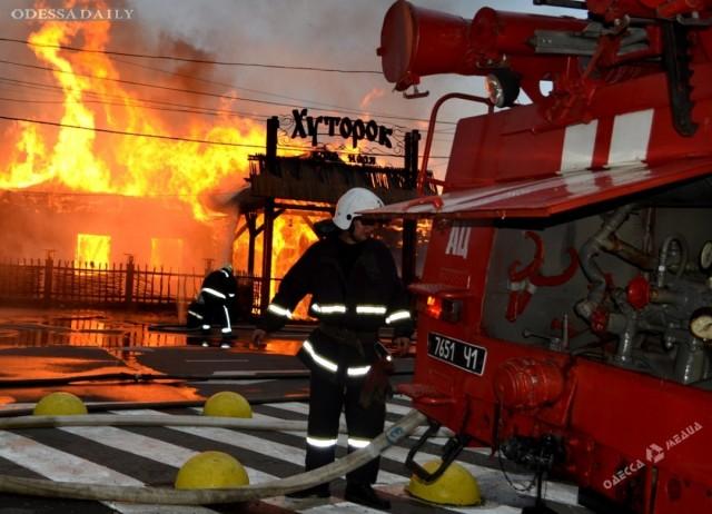 Взрывы газовых баллонов и сложность с подъездом: как тушили пожар в ресторане «Хуторок»