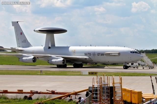 Разведчики НАТО выполняют задачи над Черным морем
