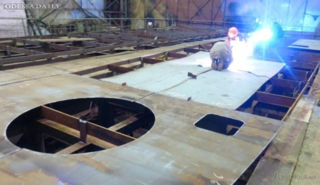 На столичном заводе ударными темпами делают бронекатеры для одесского речного дивизиона ВМСУ