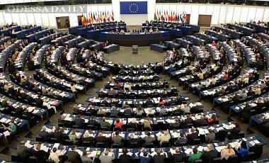 В Европарламенте выступают против отмены антипутинских санкций