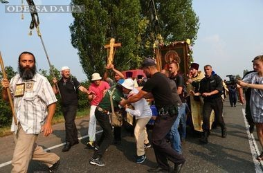 Аваков остановил Крестный ход