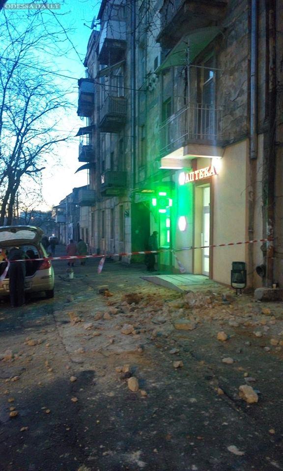 Сергей Божко: А куски домов все падали, падали и падали... (Увы, не Хармс)
