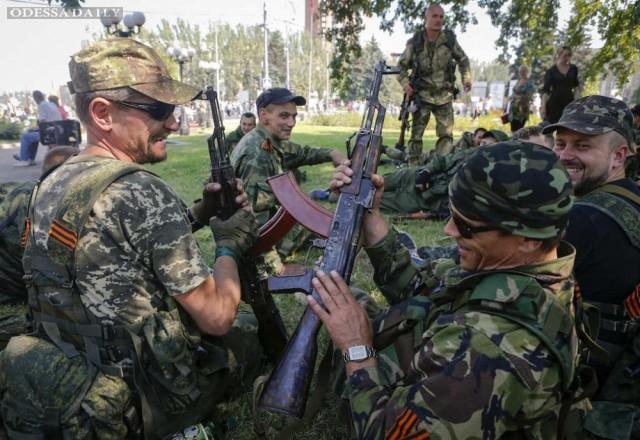 Боевики ДНР заявили об обходе Мариуполя и выходе к Азовскому морю